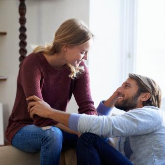https://cf.ltkcdn.net/relaciones/images/slide/239889-850x850-2-pareja-hablando.jpg