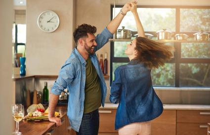 Baile espontáneo y romance