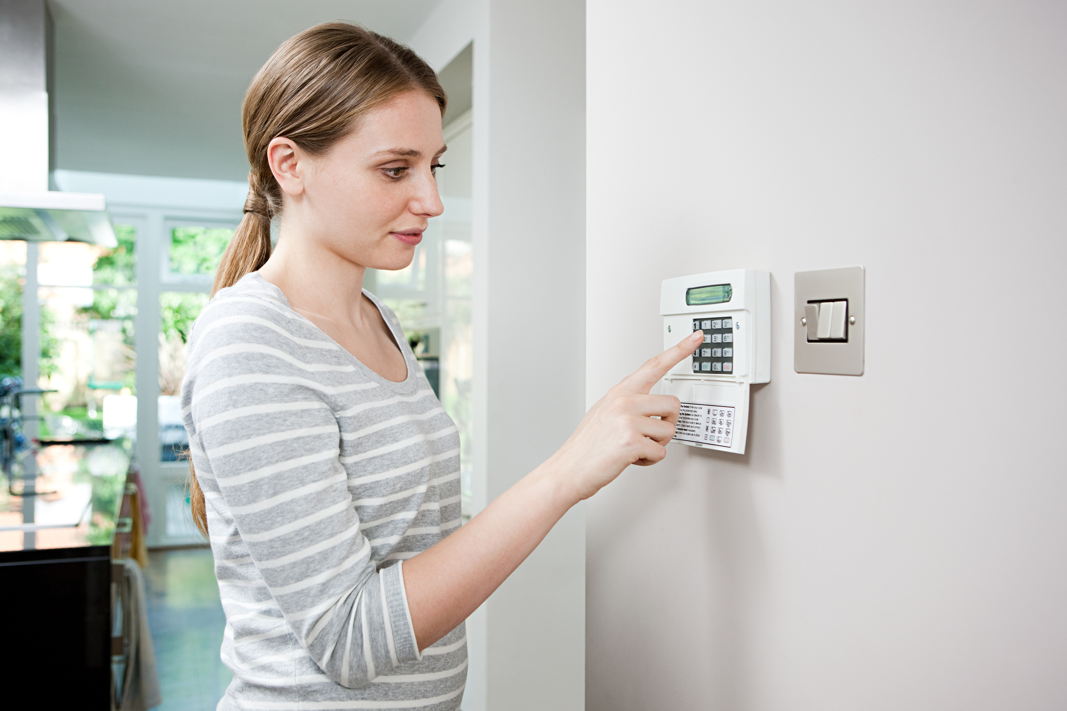 Be Safe With These Terrific Home Security Tips