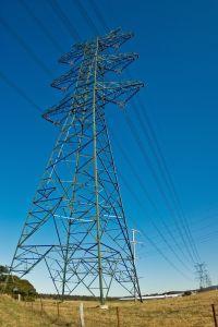 https://cf.ltkcdn.net/safety/images/slide/123325-200x300-electrical_worker.jpg