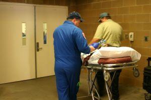 https://cf.ltkcdn.net/safety/images/slide/123326-300x200-healthcare_worker.jpg
