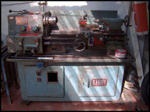 https://cf.ltkcdn.net/safety/images/slide/123327-300x224-machinist_lathe.jpg