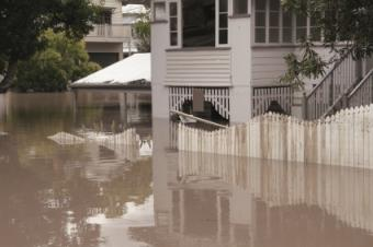 What Are Five Safety Rules You Should Practice During a Flood?