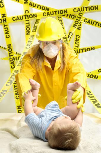 https://cf.ltkcdn.net/safety/images/slide/147656-565x850r1-DiaperBiohazard.jpg