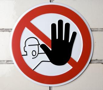 https://cf.ltkcdn.net/safety/images/slide/253801-850x744-8-important-lab-safety-symbols.jpg