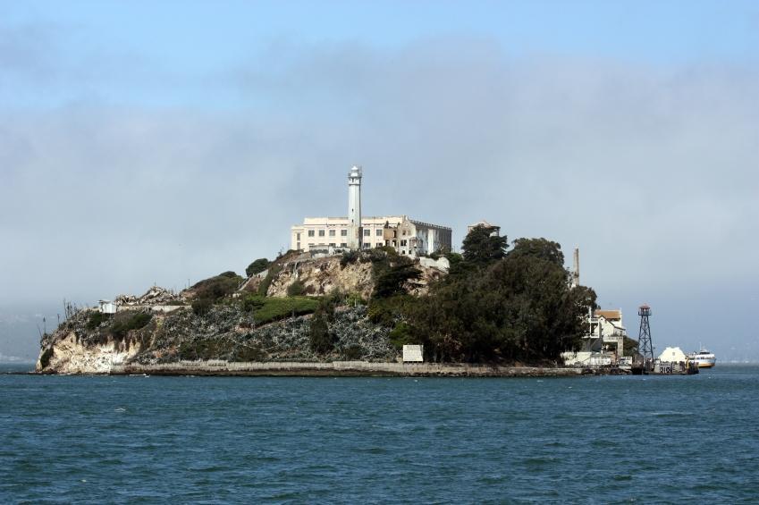 https://cf.ltkcdn.net/sanfrancisco/images/slide/10188-849x565-alcatraz.jpg