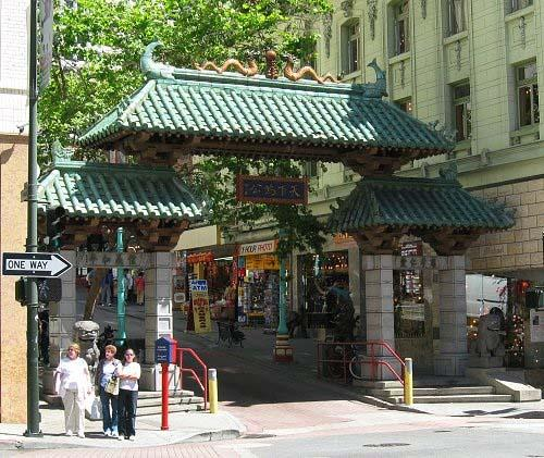 https://cf.ltkcdn.net/sanfrancisco/images/slide/10189-500x421-chinatowngate500x421.jpg