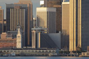 https://cf.ltkcdn.net/sanfrancisco/images/slide/10242-849x565-ferry-skyline.jpg