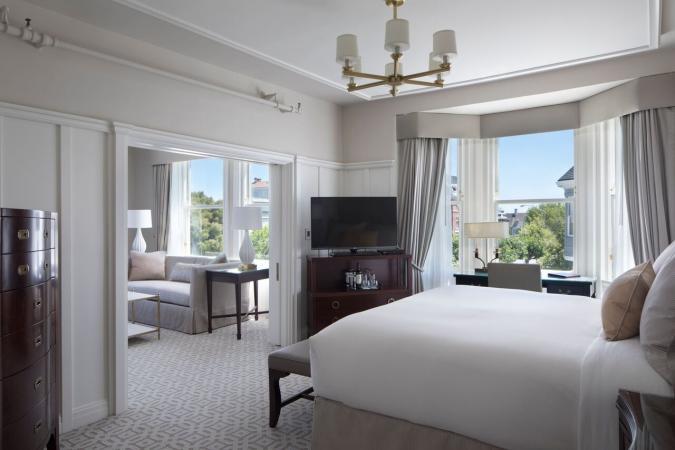 Hotel Drisco guest room