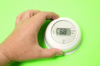 https://cf.ltkcdn.net/save/images/slide/167718-849x565-thermostat-68.jpg