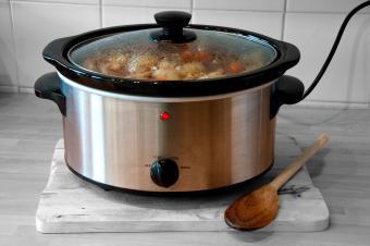 12 Easy Cheap Crockpot Recipes