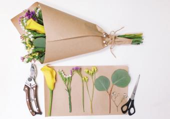 https://cf.ltkcdn.net/save/images/slide/254248-850x595-22_Flower_Bouquet.jpg