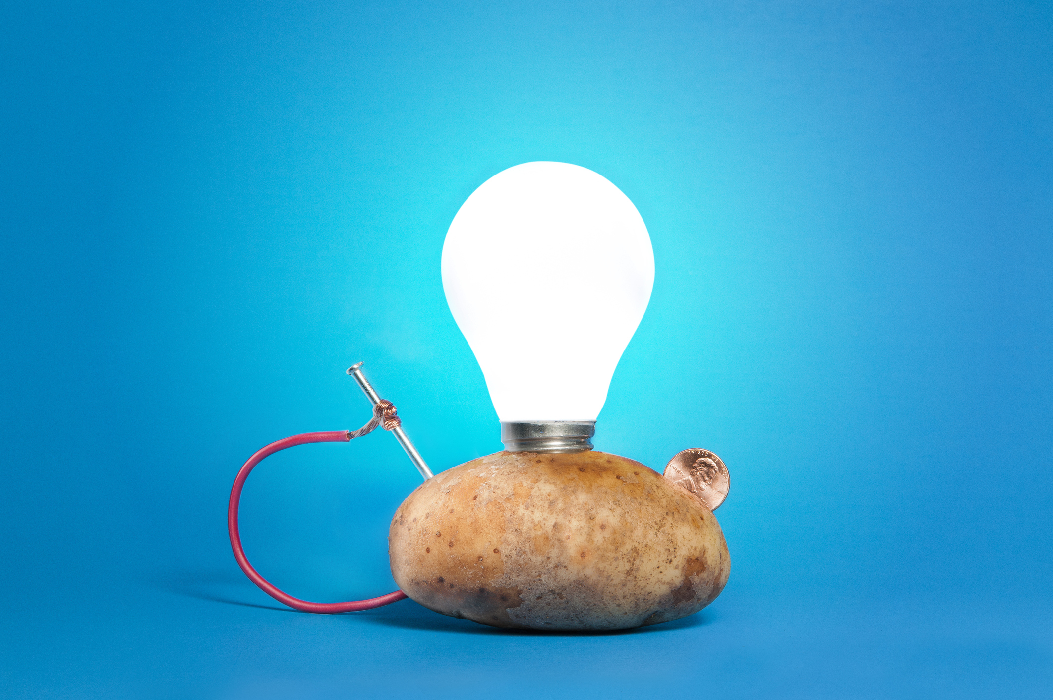 Diy potato battery led light up experiment for kids!! Easy step by.