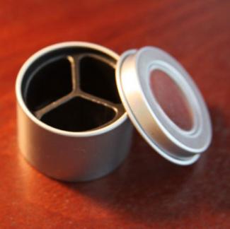 Round magnetic storage tins