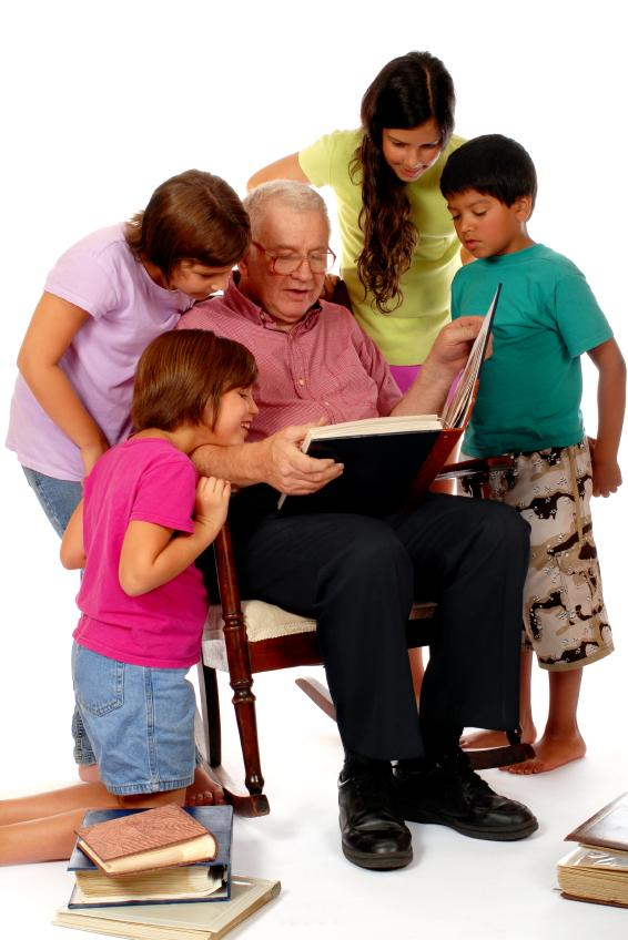 https://cf.ltkcdn.net/seniors/images/slide/91261-566x848-Scrapbook_for_Grandparents.jpg