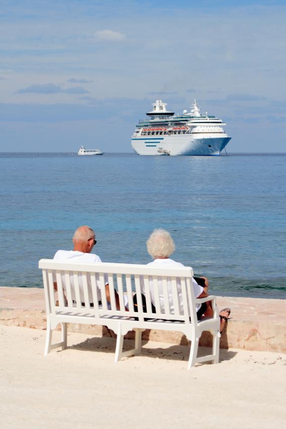 https://cf.ltkcdn.net/seniors/images/slide/91266-566x848-Senior_Travel.jpg