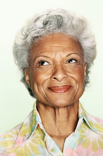 https://cf.ltkcdn.net/seniors/images/slide/173346-565x850-curls-gray-hairstyle.jpg