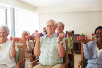 https://cf.ltkcdn.net/seniors/images/slide/175238-800x532-Dumbells-for-strength-new.jpg