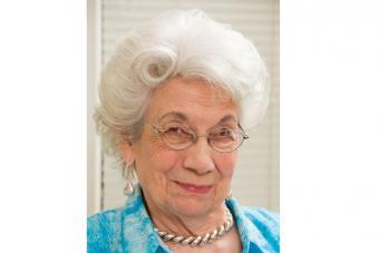https://cf.ltkcdn.net/seniors/images/slide/217101-704x469-Silver-Hair-Fullness.jpg