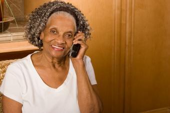 https://cf.ltkcdn.net/seniors/images/slide/224223-704x469-Senior-Woman-on-Phone.jpg
