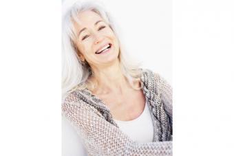 https://cf.ltkcdn.net/seniors/images/slide/224338-704x469-senior-woman-with-long-hair-and-wispy-bangs.jpg