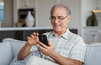 3 Ideal Cell Phone Models for Seniors