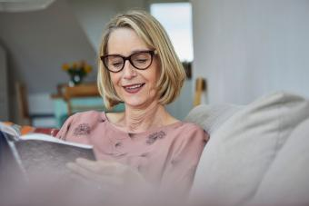 Woman with glasses and blonde bob