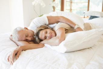 5 Best Adjustable Beds for Seniors + Tips to Choose