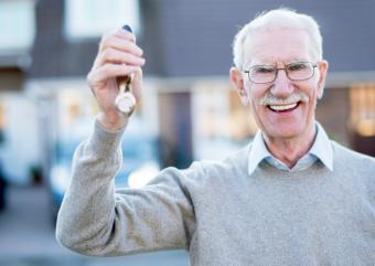 Pros and Cons of Living in Senior Apartments