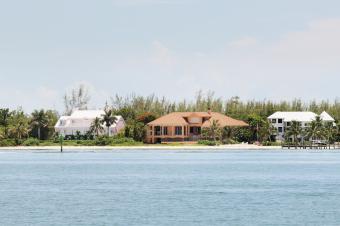 Waterfront Beachfront Luxury Holiday Villas on Sanibel Island Florida