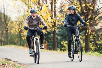 Choosing Seniors' Bicycle Accessories to Improve Your Ride