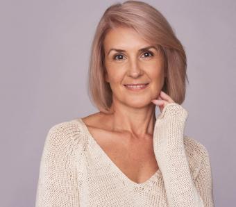 https://cf.ltkcdn.net/seniors/images/slide/258289-850x744-2-fun-hair-colors-senior-women.jpg