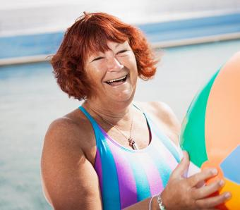 https://cf.ltkcdn.net/seniors/images/slide/258296-850x744-9-fun-hair-colors-senior-women.jpg