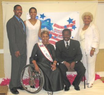 Alana Wallace and family members