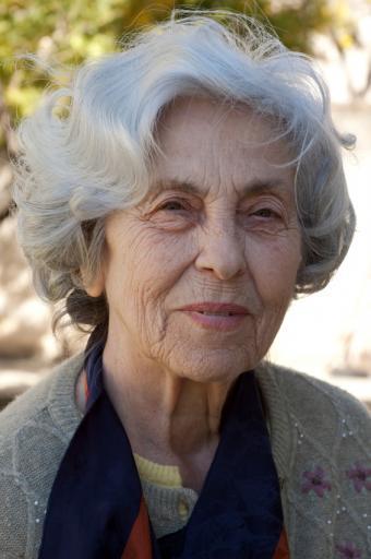 https://cf.ltkcdn.net/seniors/images/slide/73385-565x850-senior-lady13.jpg