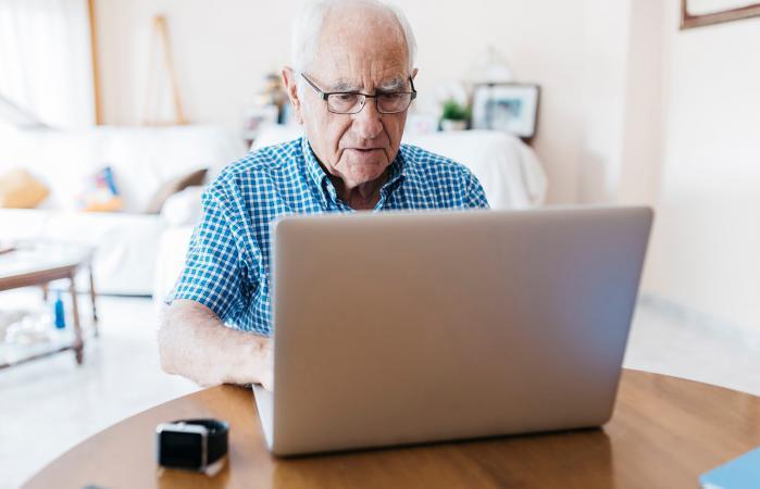Senior man online