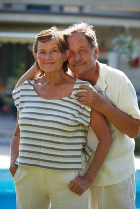 Retired couple in casual, fashionable clothing