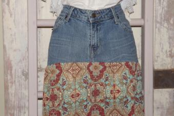 How to Sew a Skirt From an Old Pair of Jeans