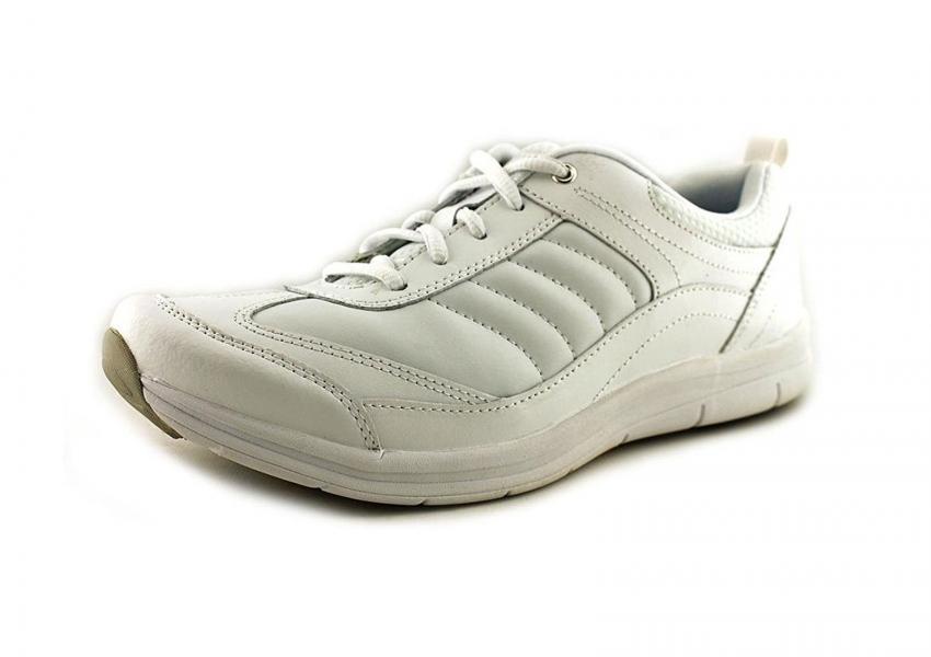 https://cf.ltkcdn.net/shoes/images/slide/207232-850x600-easy-spirit-southcoast-walking-shoe.jpg