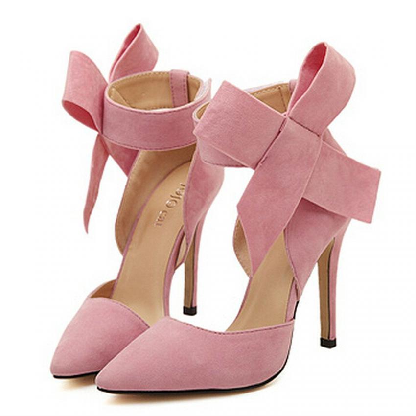 https://cf.ltkcdn.net/shoes/images/slide/214152-850x850-pink-heels-with-bows.jpg