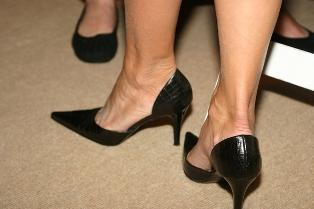 https://cf.ltkcdn.net/shoes/images/slide/27948-314x209-couric-heels.jpg