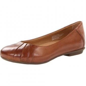 https://cf.ltkcdn.net/shoes/images/slide/174866-500x500-earth-footwear.jpg