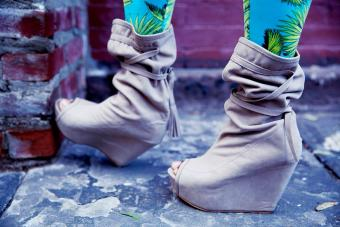 Dr. Etufugh in open toe suede boots