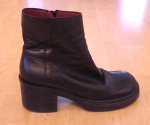 nine west black ankle boot