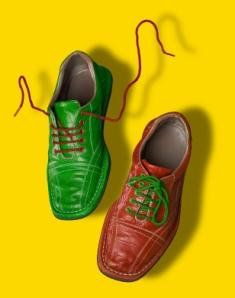 https://cf.ltkcdn.net/shoes/images/slide/28021-235x298-straigh-lace2.jpg