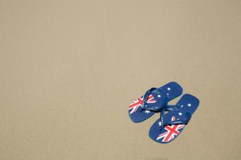 https://cf.ltkcdn.net/shoes/images/slide/28150-849x565-AustraliaFlipFlops.jpg
