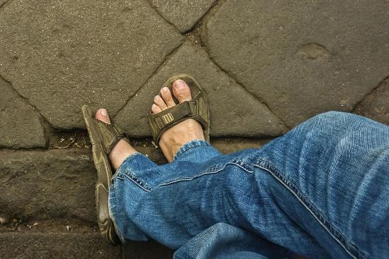 Skinny jeans and sandals