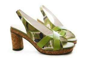 Green print synthetic leather shoes