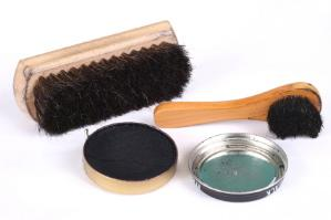 Polishing supplies for leather footwear