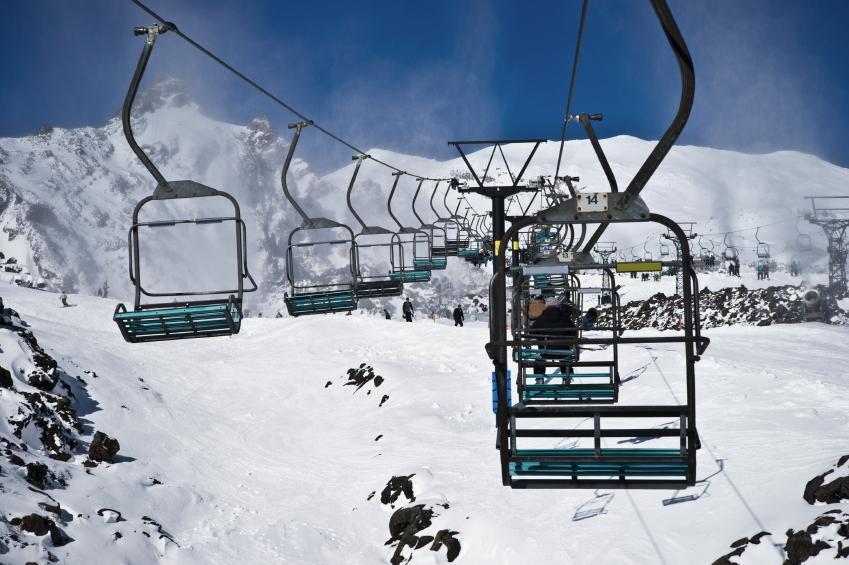 https://cf.ltkcdn.net/ski/images/slide/1082-849x565-Ski-Lift.jpg